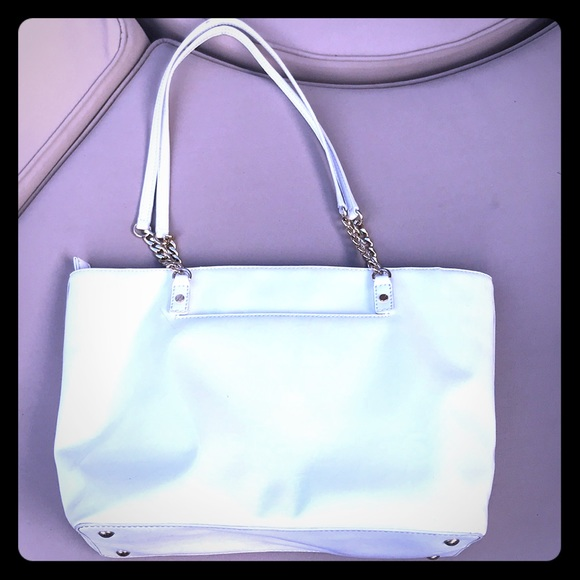 871b0d09dd5f Large Michael Kors White patent Leather Purse ❤ 😎.  M_5b85be9c0e3b8663074c8dd5